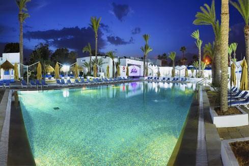 Hari Club Beach Resort  photo 0